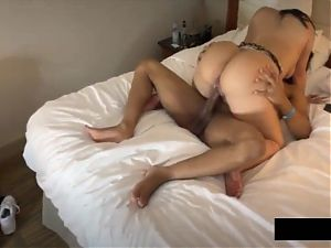 BBW Milf With Huge Ass Riding Neighbours BBC